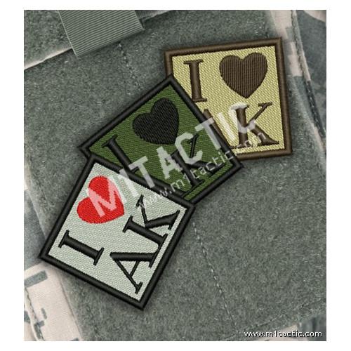 """Parche bordado """"I love AK"""""""